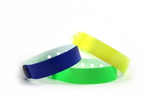 3ad11aca7f65 Las pulseras de Plástico SuperBand® son perfectas cuando se necesita una  pulsera resistente